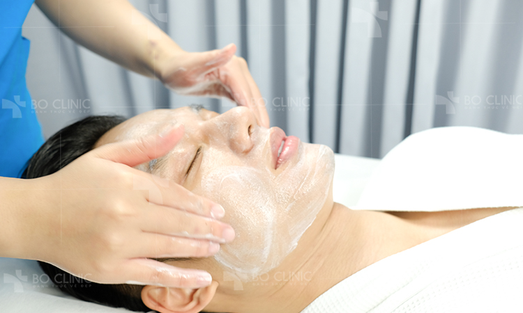 Làm sạch da, loại bỏ bụi bẩn, bã nhờn sâu bên trong lỗ chân lông