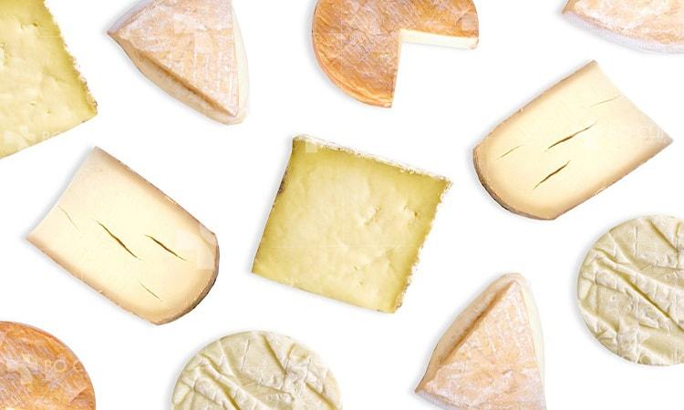 Sản phẩm chiết xuất từ sữa là nguyên nhân khiến da mụn trở nặng hơn.