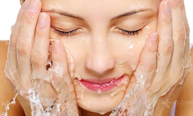 Làn da sạch là làn da khỏe, có thể bạn không để ý, nhưng thói quen rửa mặt ảnh hưởng khá nhiều đến tình trạng da của bạn đấy.