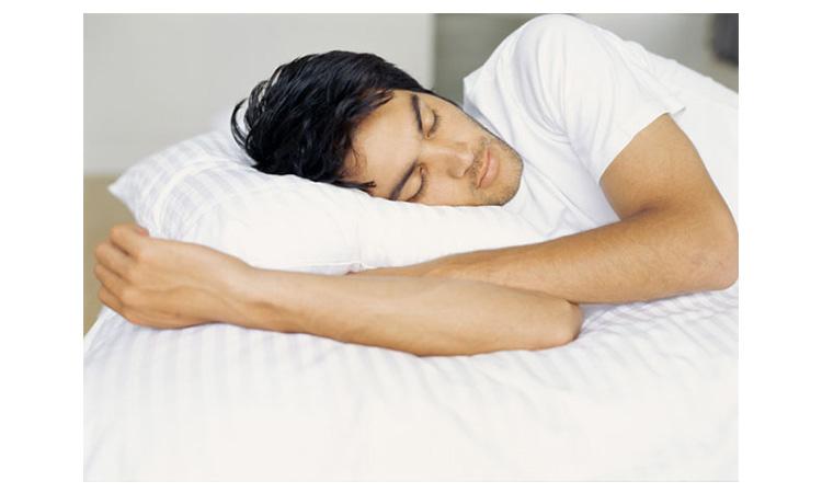 Khi cơ thể được nghỉ ngơi một cách hợp lý các tế bào sẽ tự động sửa chữa những dấu hiệu xấu như nếp nhăn và mụn